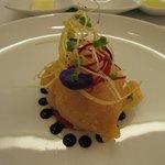 ビストロ ダイア - 北海道産鱈の白子ペニエ トマトのクーリとバルサミコソース