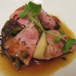 79339020 - 肉②オーストラリア産仔羊の背ロース タイムと胡桃の香るジュ・ダニョー