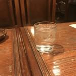 珈琲専門店 TOM  - 冷たい水。       うまし。