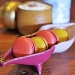 タイムレス チョコレート - 料理写真:マカロンとティラミス