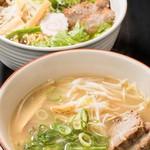 ピノピノ - 濃厚鶏白湯