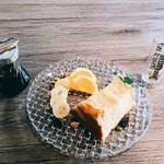 KUTSURO gu Café - メイプルシフォンケーキ