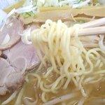 ラーメンのささき - 麺は加藤製麺!好き♡野菜の炒め具合、最高♬