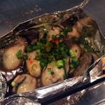 広島県府中市アンテナショップNEKI - 牡蛎ポン酢の鉄板焼き