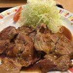 バーグ - 肉ショウガ焼き定食870円+大盛160円の ショウガ焼きのアップ
