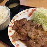 バーグ - 肉ショウガ焼き定食870円+大盛160円
