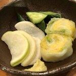 山本屋本店 - 料理写真:お漬け物は食べ放題