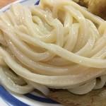 79357041 - ツヤツヤモチモチ、太めの麺が相当美味いぞ( ̄▽ ̄)