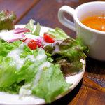 ジェイエス パンケーキカフェ - ホリデーセットに付いてくるサラダ&スープ