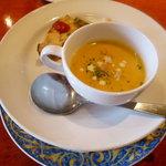 巴里食堂 - 料理写真:スープと最初の軽い一品