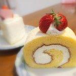 ポーズカフェ - 純情純生ロールケーキ(300円)