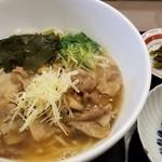 うどん鉢 - 豚生姜うどん(温)1100円