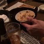 凱風快晴 - 〆の炊き込みご飯をわける男