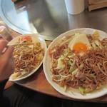 たるや鉄板焼 - 太麺:細麺