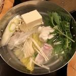 79363914 - 「鍋物」滋味溢れる味わい淡路島三年とらふぐのてっちり鍋
