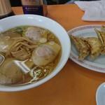 79364612 - チャーシュー麺と餃子