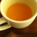 Ocean table - 絞りたての100%のオレンジジュース