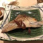すし岩瀬 - 料理写真:めじ鮪のカマ焼き