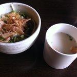 7937106 - 豆乳スープとサラダ