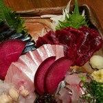 炭火焼と旬のおさかな 菜の花 - 今日の刺し盛り