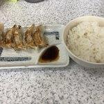 79377801 - ごはんセット(260円) 餃子5個+ご飯はお替り無料です