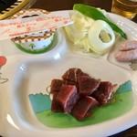 ジュージューハウス - 【ちびっこセット♪(800円)】国産牛ロース肉80g、りんどうポークウィンナー、焼き野菜、プチデザート、ごはん&スープ(おかわり自由)のセットです。