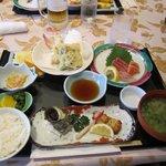 あいらんど・びゅう - 料理写真:天ぷら・刺身御膳、2100円です。