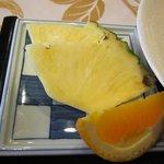あいらんど・びゅう - デザートです、新鮮なパイナップルは甘くてとっても美味しかったですよ。