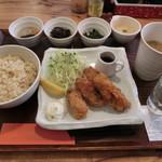 ニジール - カキフライ定食1000円