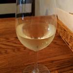デュボワ - 白グラスワイン ヴィニビオ ミカ \800