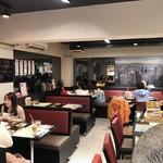 香港 贊記茶餐廳 - 女性客が多いですね