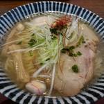 めんや 薫寿 - 薫寿そば(750円)+煮玉子(120円)