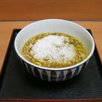 高幡そば - 残った汁に御飯を入れて雑炊風にできます。