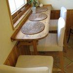 ダヴィッド パン - 店内の椅子と机