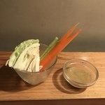 炭焼 ちきんかばぶ - 野菜スティック(キャベツ、ニンジン、きゅうり)