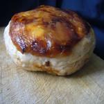 パン工房 ブランジェリーケン - 味噌と胡桃のベーグル