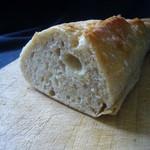 パン工房 ブランジェリーケン - 南部小麦のバゲット(断面)