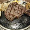 ストーンバーグ - 料理写真:サーロインステーキ200g(トッピング:チョリソー、フライドポテト)