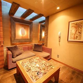 リゾートフルな完全個室(TV/カラオケ付き)