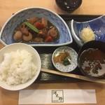 79412875 - いかしゅうまい、煮物、ご飯、味噌汁(いか活け造り定食の一部)