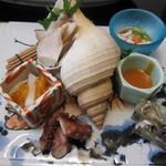 旬魚たつみ - 貝と蛸等のお造り(バイ、鱈白子、河豚皮煮凝り、蛸、柿とカブのなます)