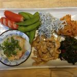 福島壱麺 - おまかせあての盛り合わせ