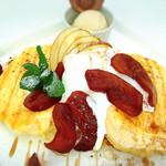 ソレイユカフェ - りんごのパンケーキ