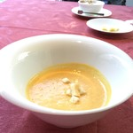 フレンチダイニング シェ ゆりの - 追加500円で美味しい人参のスープ