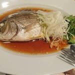 Kantonryourifu - シロダイ鮮魚の広東式姿蒸し