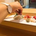 だるま寿司 - 平目には酢橘を絞って・・・