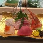 鮨 割烹 福松 - お刺身をすこし