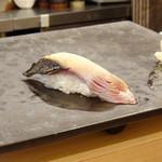 鮨 中 - 歯鰹