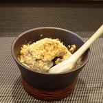 鮨 中 - ◆黒ゴマアイス・きな粉がけ・・海鮮丼には付かないのですけれどサービスで出してくださいました。♪