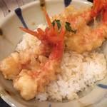 食堂 松月 - 唐辛子海老の天丼です。